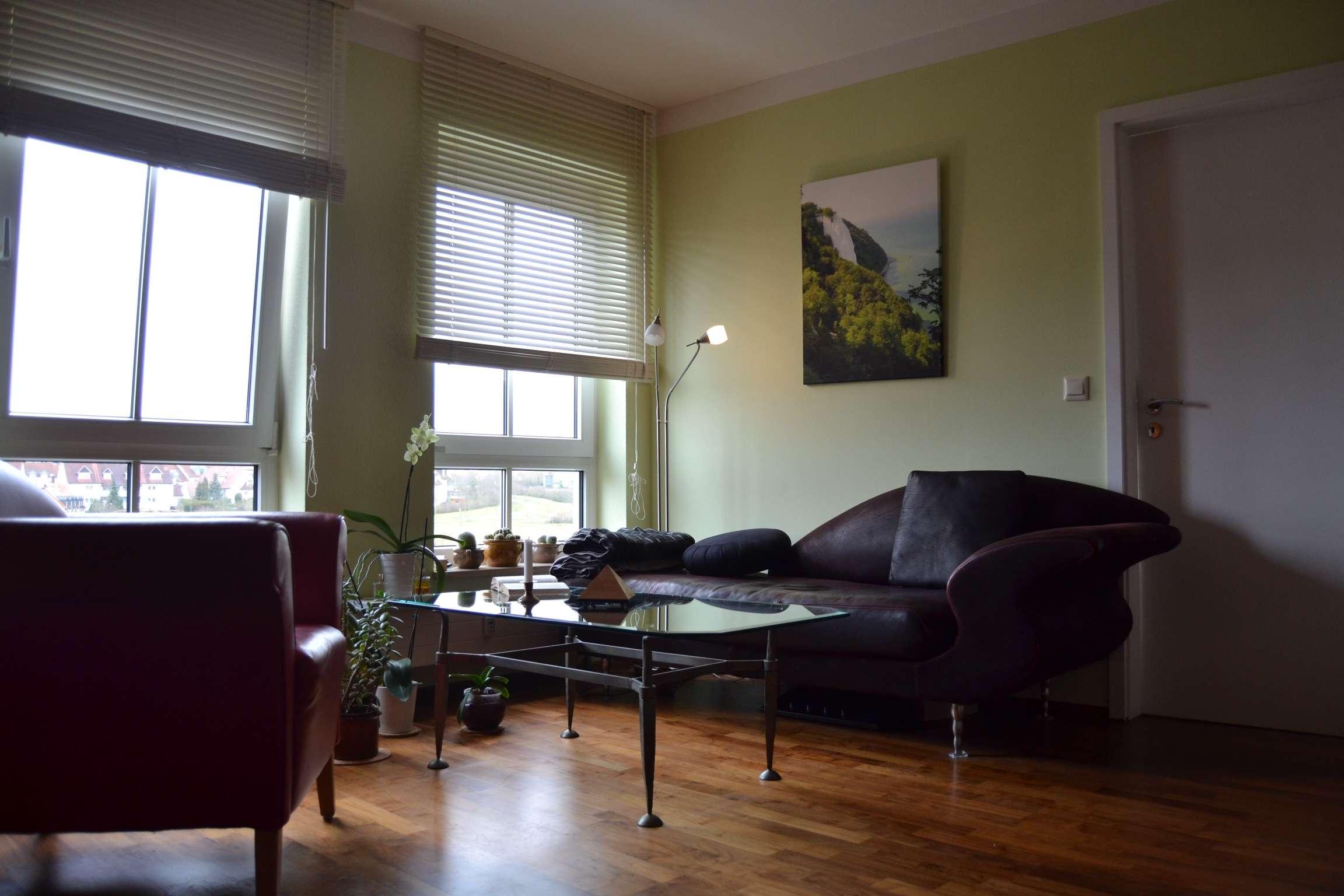 Exklusive, modernisierte 2-Zimmer-Wohnung mit Einbauküche in Würzburg in