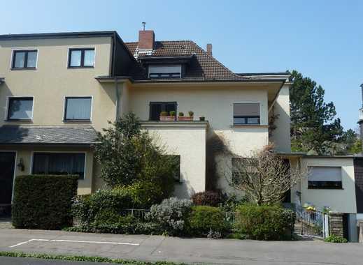 Individuelle Wohnung mit Flair in sehr schöner Wohnlage in Köln-Klettenberg