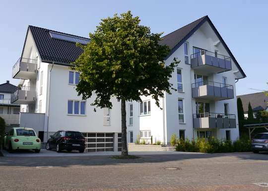 Neubau, 3-Zimmer Wohnung EG, vollmöbliert ab sofort