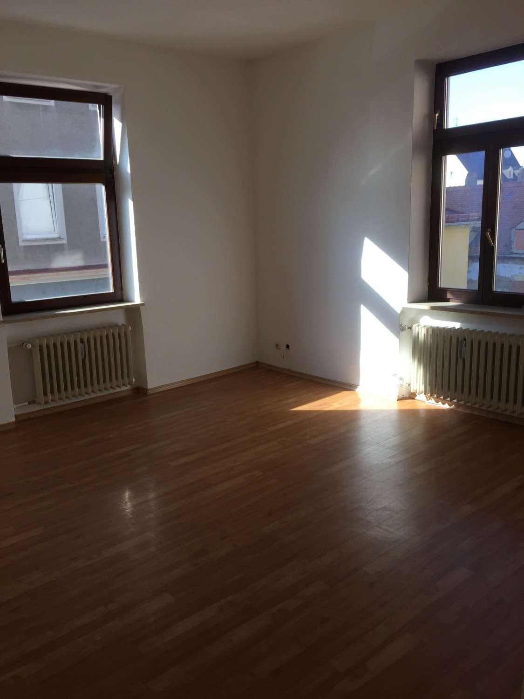 3 Zimmer, Küche, Bad, Balkon in Oberhausen (Augsburg)