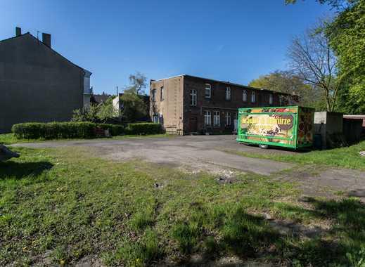 1686 m2 Grundstück mit Gebäude zu verkaufen