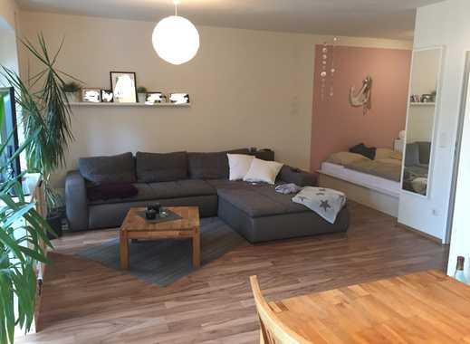 Vollständig renovierte 1,5-Zimmer-Wohnung mit Terrasse  und Einbauküche in Hildesheim (Kreis)