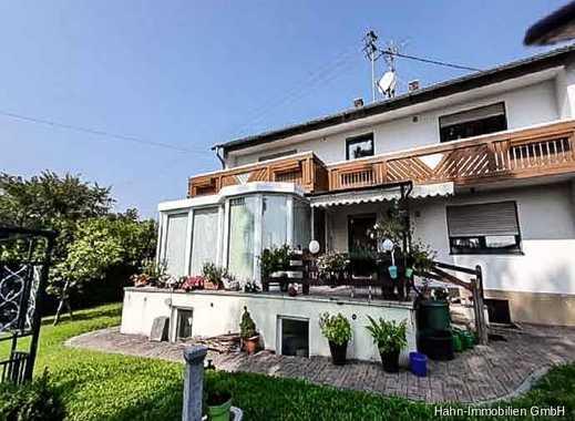 Geräumige 4-Zimmer Wohnung mit Gartenanteil.