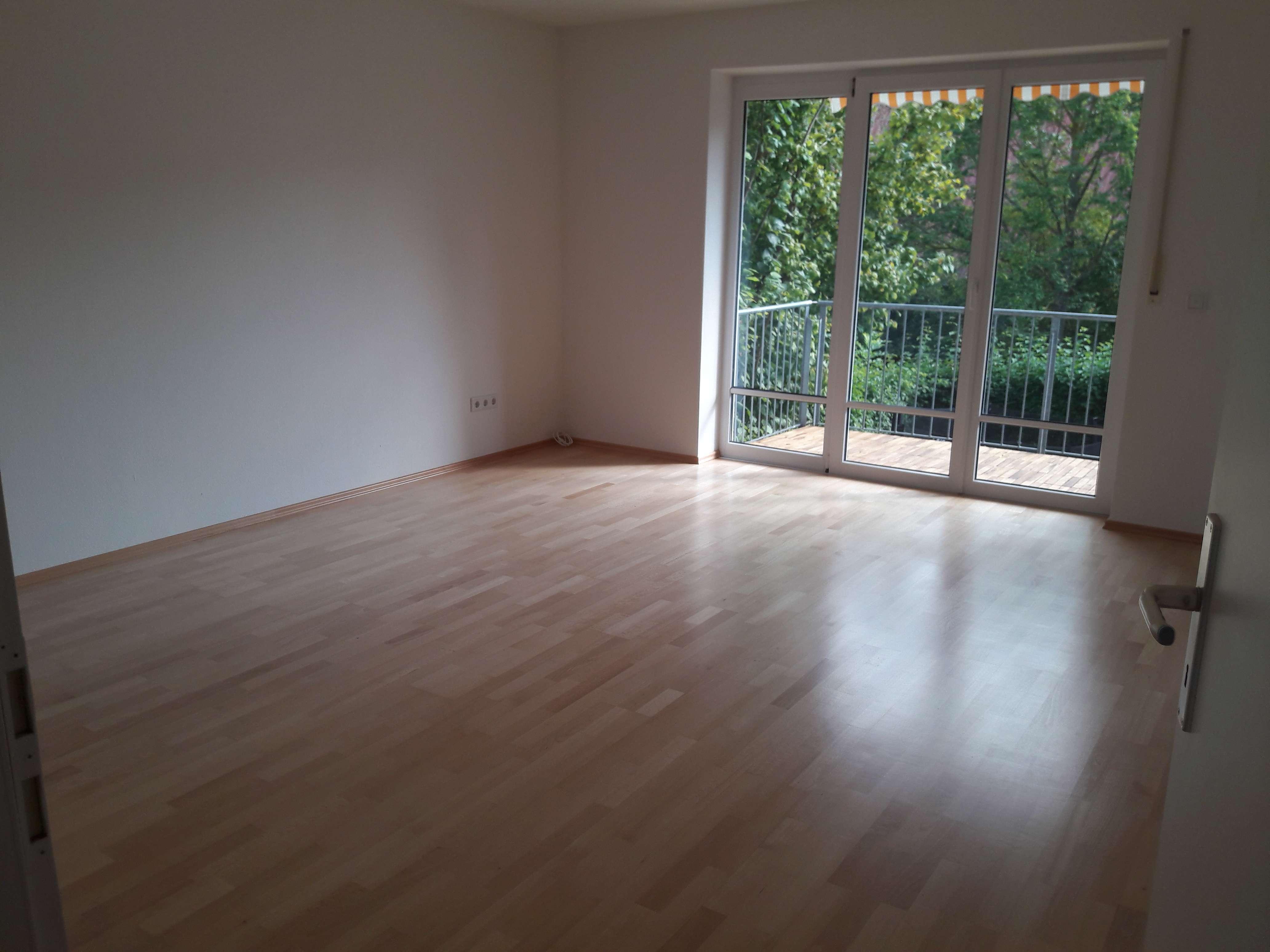 Freundliche 3-Zimmer-Wohnung mit Balkon und EBK in Ingolstadt in Friedrichshofen (Ingolstadt)