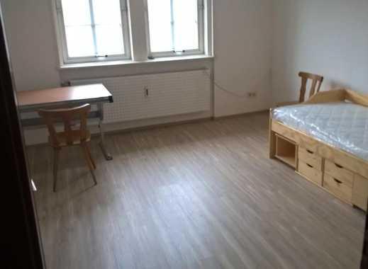 Frisch renovierte WG-Zimmer im Stadtkern von Bad Hersfeld, teilmöbliert