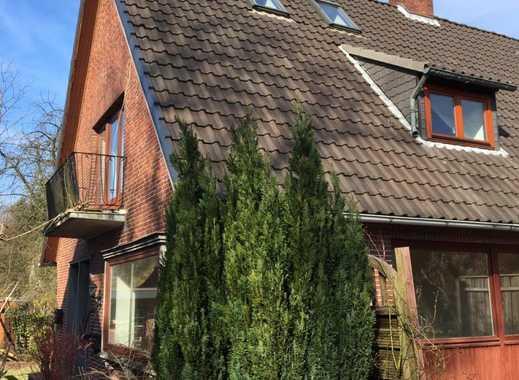Schönes Doppelhaushälfte  Haus mit vier Zimmern in Pinneberg (Kreis), Rellingen