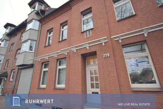 Hausansicht von Frisch renovierte Bürofläche im geplfegten Altbau in Oberhausen-Sterkrade!