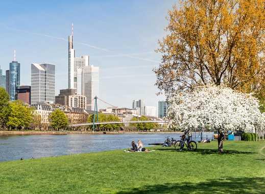 *Wohnen über den Dächern Frankfurts* 2,5 Zimmer, Schlafzimmer mit Ankleide en Suite, zentrale Lage