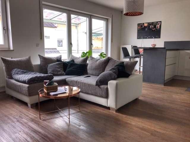 Exklusive, neuwertige 3-Zimmer-Wohnung mit Balkon und Einbauküche in Schrobenhausen in
