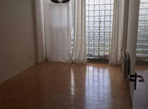 Sehr geräumige schöne LOFT Wohnung Barriere frei.