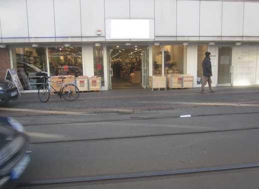 Ladenlokal (837 m²) mit Lager (243 m²) - auf Einkaufsstraße -