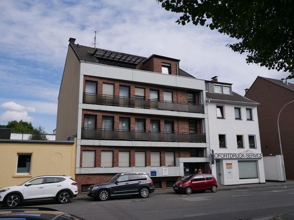 sch ne b roetage im eg zentral in rheydter innenstadt 1. Black Bedroom Furniture Sets. Home Design Ideas