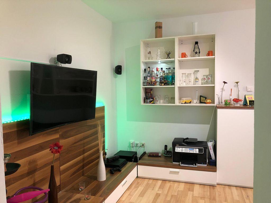 Modernes Zimmer in toller 3-Zimmer Wohnung mit Garten, Kamin ...