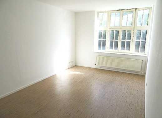 2-Zimmer-Erdgeschosswohnung mit historischem Ambiente