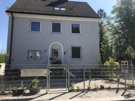 3,5 Zimmer Wohnung über zwei Etagen mit Terrasse u. Gartennutzung direkt am Englischen Garten in Schwabing (München)