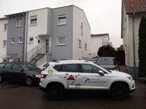 Doppelhaushälfte aus 2012 mit kleiner Einliegerwohnung und Garage, Restarbeiten erforderlich