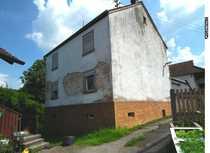 Sanierungsbedürtiges Einfamilienhaus in ruhiger Lage