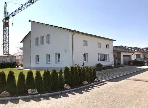 Ein- oder Zweifamilienhaus mit einer barrierefreien und rollstuhltauglichen EG-Wohnung