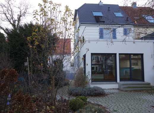 Besondere Doppelhaushälfte mit Terrasse Garten und 2 Bäder