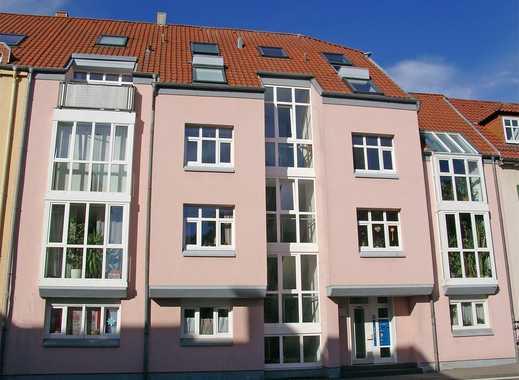 POCHERT IMMOBILIEN - Sehr schöne, sonnige Stadtwohnung mit Balkon und PKW-Stellplatz
