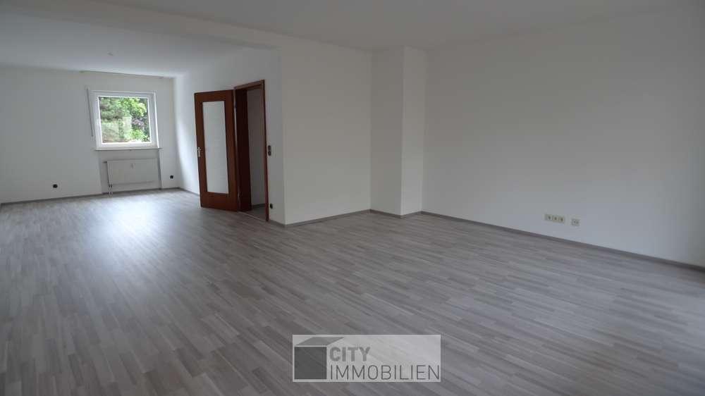 Neu renovierte 3-Zimmer Wohnung mit Balkon und 107 m² Wohnfläche in Wöhrd in Veilhof (Nürnberg)