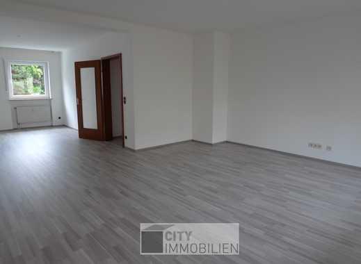 Neu renovierte 3-Zimmer Wohnung mit Balkon und 107 m² Wohnfläche in Wöhrd