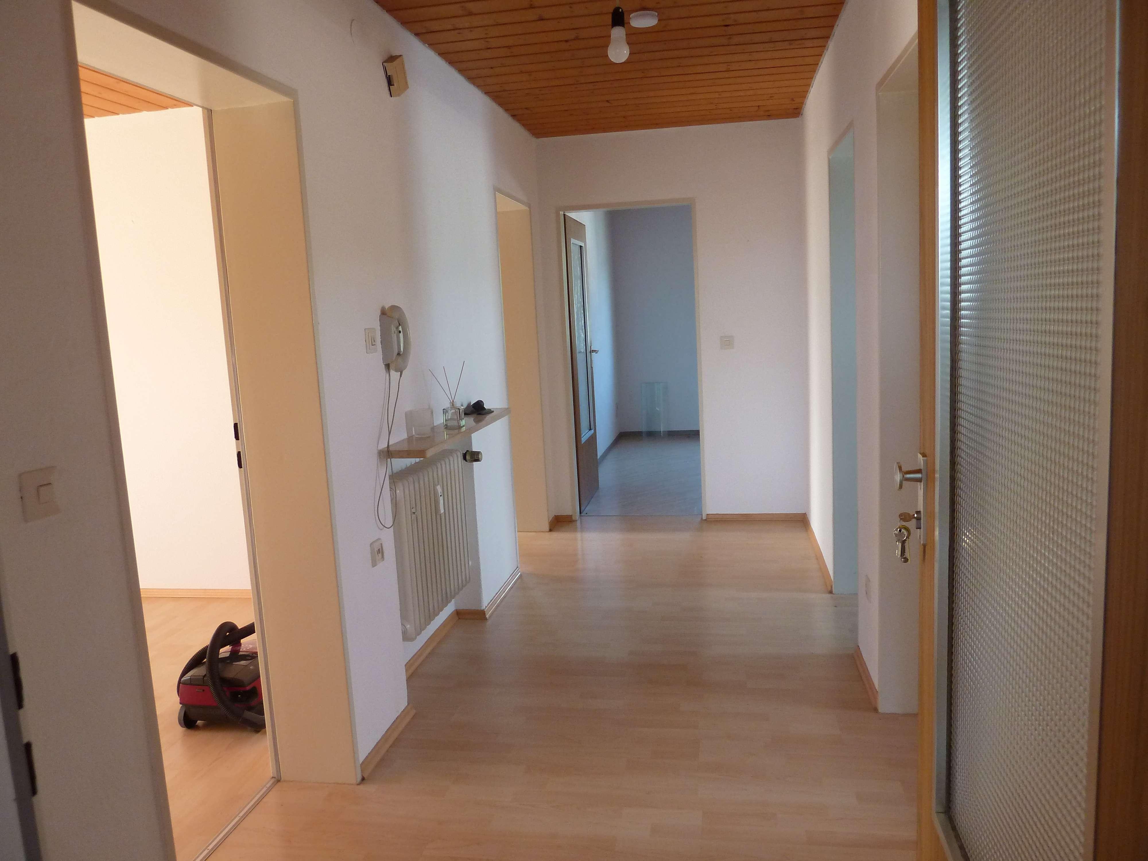 Preiswerte, gepflegte 2-Zimmer-DG-Wohnung mit EBK in Sulzbach-Rosenberg