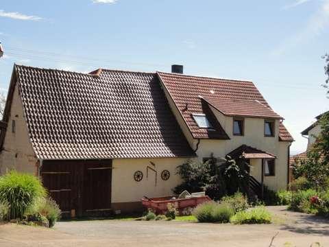 Alteres 1 2 Fam Haus Mit Scheune 2 Garagen Hofraum Und