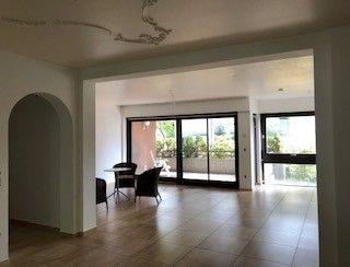 neuostheim herrliche etagenwohnung wenige meter vom. Black Bedroom Furniture Sets. Home Design Ideas