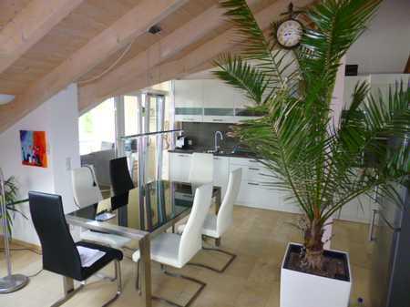 Stilvolle, gehobene und neuwertige 3-Zimmer-DG-Wohnung mit Balkon und Einbauküche in Deggendorf in Deggendorf