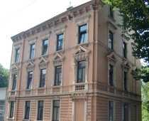 Mietshaus im Fabrikantenstil der Gründerzeit-Epoche -