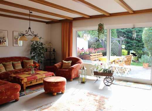 Helles und gepflegtes Haus mit viel Platz und außergewöhnlicher Architektur