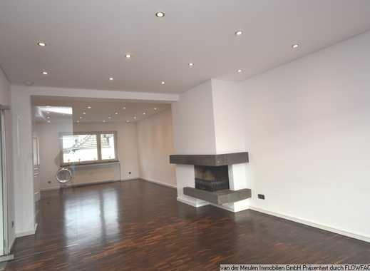 Luxuriöse 4,5 Raum-Wohnung, ca. 170 m² mit Balkon und Garten, Essen-Stadtwald