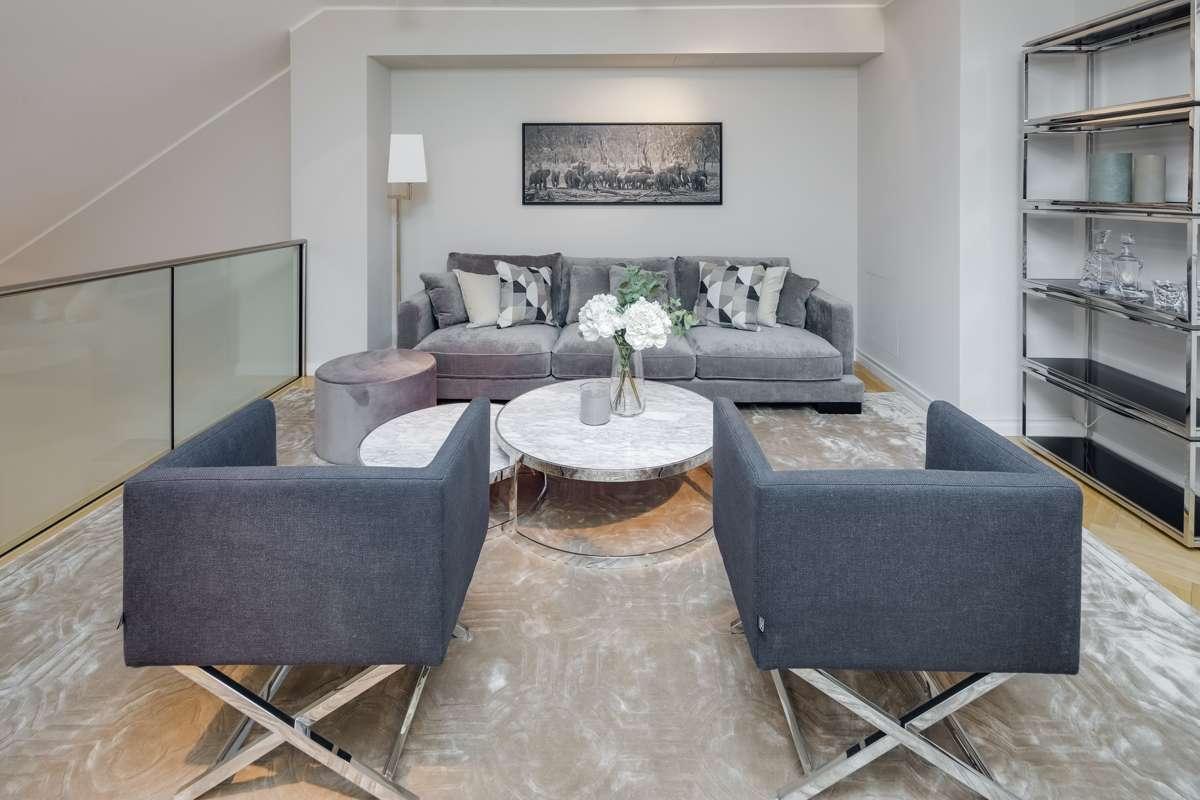 QVIII - ERSTBEZUG - THE PLACE TO BE  Möblierte Maisonette Wohnung in Maxvorstadt (München)