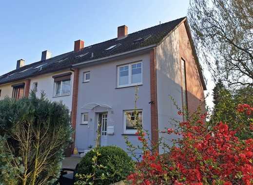 westimmobilien: Geschmackvolles Endreihenhaus mit Einzelgarage am Klövensteen