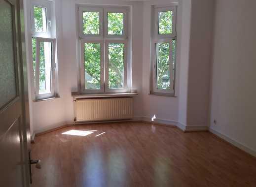 D- Benrath: Schöne Altbauwohnung mit 2 Zimmern, Wohnküche und Balkon nahe Schloss