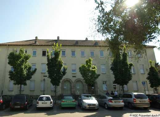 990 €, 130 m², 4 Zimmer