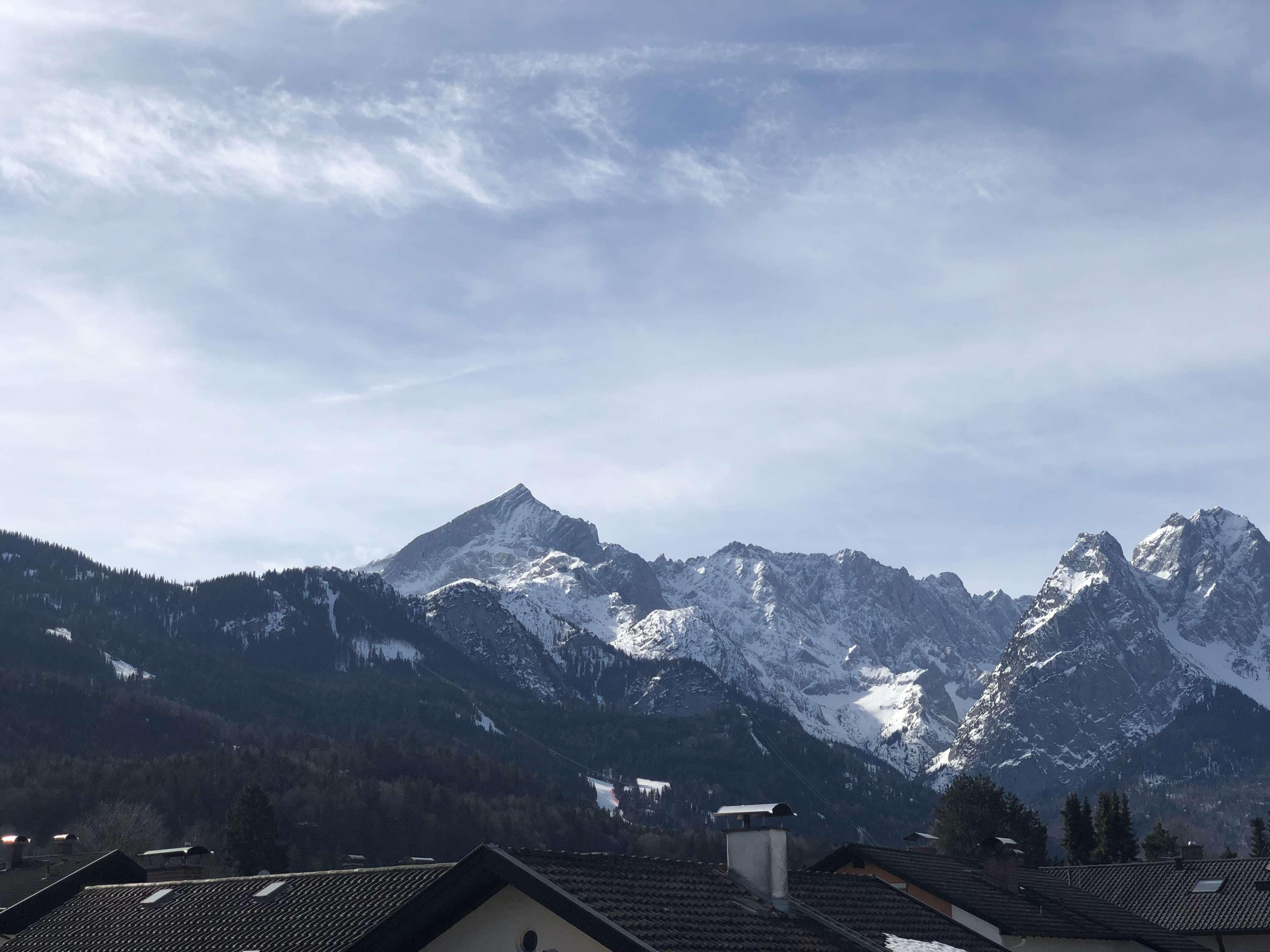 Gepflegtes 1-Zimmer-Appartment in zentraler Lage mit tollem Bergblick in Garmisch-Partenkirchen in