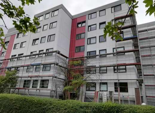Erstbezug nach Sanierung: helle 2-Zimmer-Wohnung mit Einbauküche und Loggia in Isernhagen