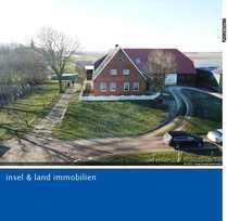 Bauernhaus mit Land