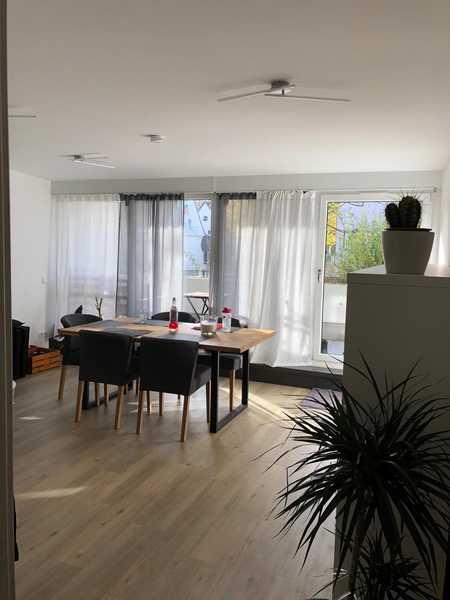 Helle 5-Zimmer-Maisonette-Wohnung mit 135 qm Wohn-Nutzfläche mit 2 Balkon in Bogenhausen, renoviert in Bogenhausen (München)