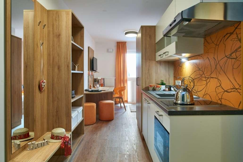 Neubau Zimmer in super Lage in der Nähe von Audi, Innenstadt, Continental,..