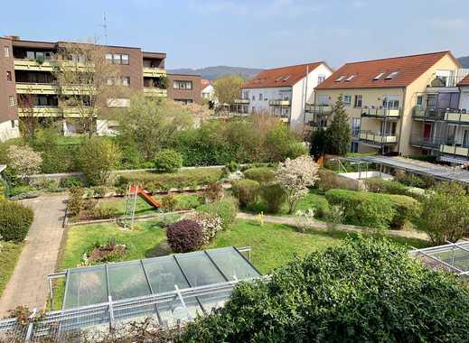 Exklusive 3,5 Zimmer Wohnung mit 2 Balkonen und TG Stellplatz
