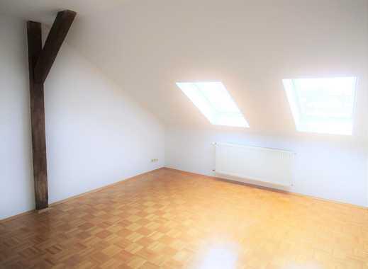 Großzügige & helle 3-Zi.-Dachgeschoss-Wohnung im Stilaltbau