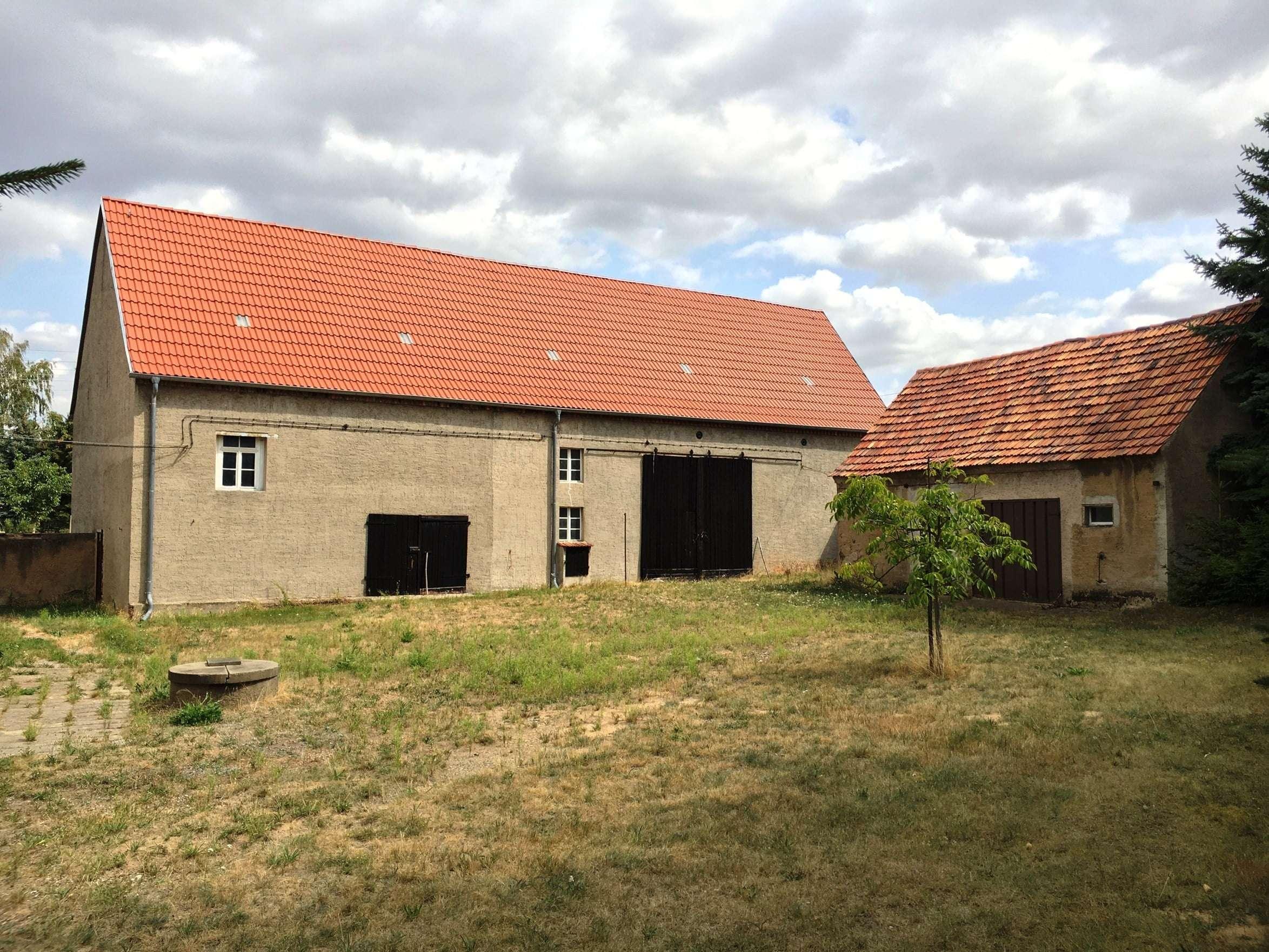 In alter Scheune den eigenen Traum vom Wohnen mit viel Platz auf großem Grundstück verwirklichen - Haus zum Kauf in Glaubitz