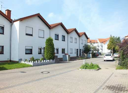 FAMILIENFREUNDLICH++Sehr gepflegtes Reihenmittelhaus mit kleinem Garten und Terrasse in guter Lage