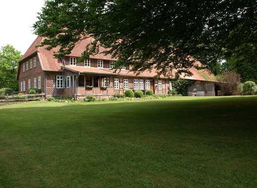 Sehr schöner, großer Resthof auf idyllischer Hofstelle mit Mehrfamilienhaus, Pferdehaltung möglich