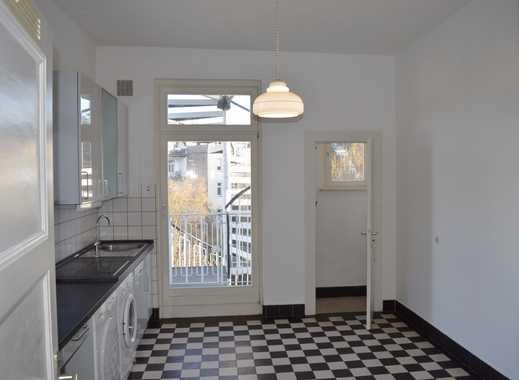2-Zimmer-Komfortwohnung in renoviertem Jugendstilhaus in zentraler Lage von Bonn - Bad Godesberg