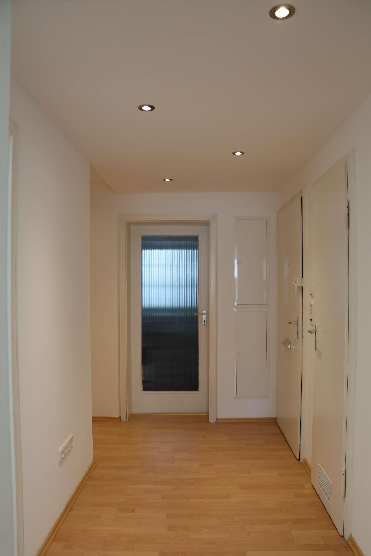 Liebevoll renovierte, sonnige 3,5-Zimmerwohnung in Oberföhring