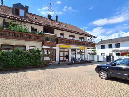Sehr helle Wohnung mit Erker und Balkon in Unterhaching